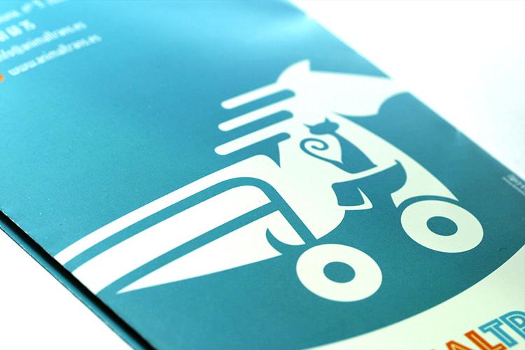 Diseño de logotipo y material gráfico